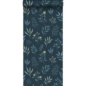 tapet blomstermønster i skandinavisk stil mørkeblåt og okkergult fra ESTA home